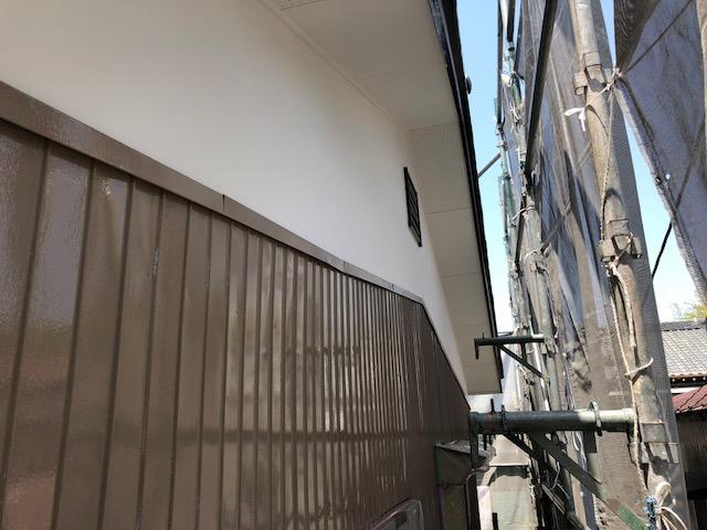 千葉中央区生実町の塗装工事中です。